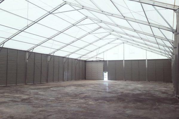 Wnętrze hali przemysłowej namiotowej Białystok